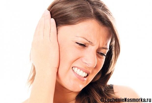 симптомы заложенности уха