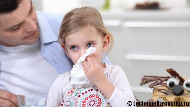 симптоматика насморка у детей