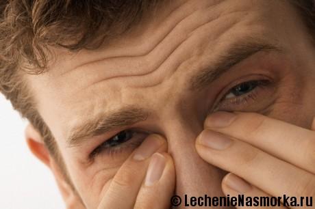 почему заложен нос и боли в голове